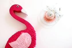 flamingo-pinata-1